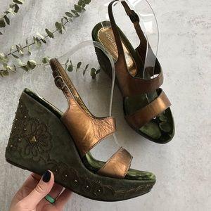 DONALD J. PLINER Stelo Velvet Stud Wedge Sandals 7